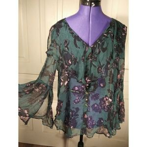 NWT Anthropologie bell sleeved floral top blouse